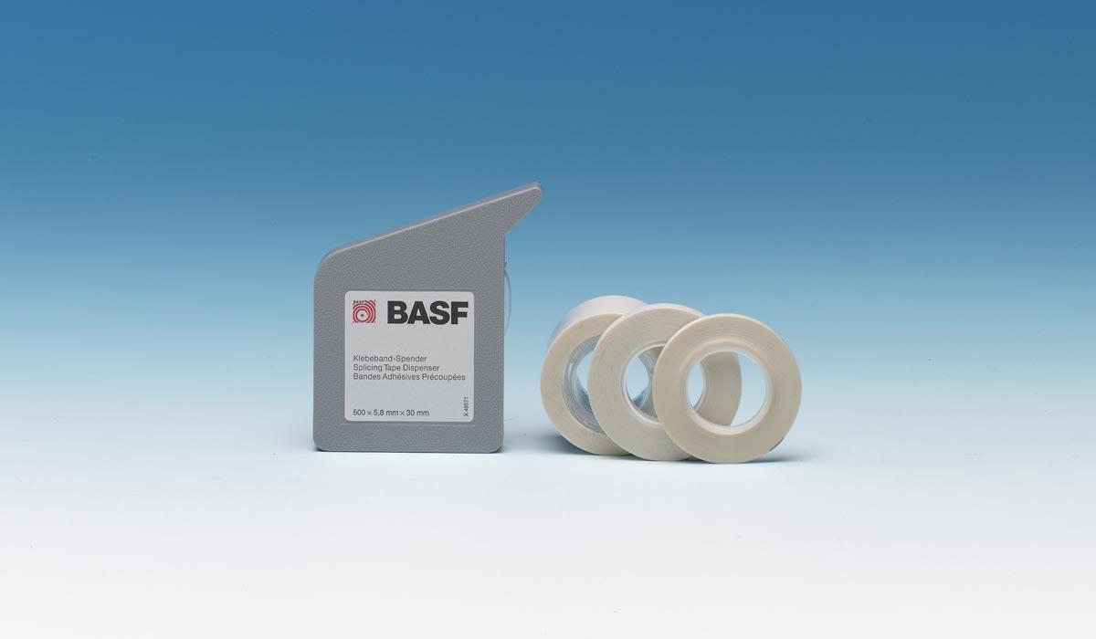 Ehemals erhältliche BASF Klebebänder für verschiedene Bandtypen.