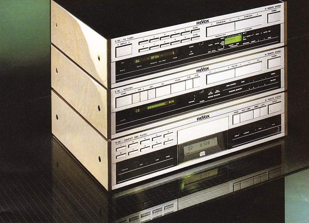 ReVox Serie 100 - Ausführung: Vogelaugenahorn,. hellgrau, hochglänzend