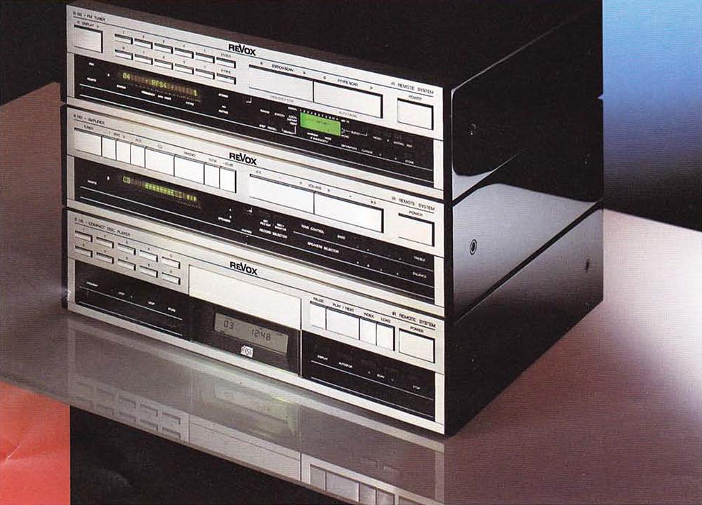 ReVox Serie 100 - Ausführung: Vogelaugenahorn,. Klavierlack, hochglänzend