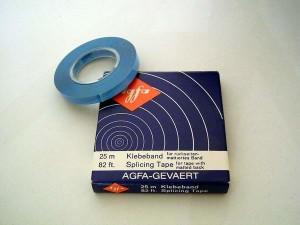 AGFA Tonbandkleber auf Rolle.