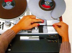 Tonband schneiden mit der STUDER A807. Die Maschine ist nahezu perfekt dafür geeignet.