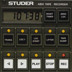 Das Bedienfeld der STUDER A810 lässt sich nach Wunsch umprogrammieren. Für andere Funktionen gibt es entsprechende Originalbeschriftungen.